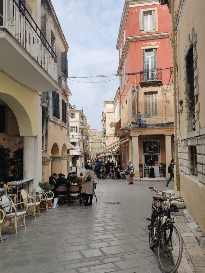 SAŁATKA PO GRECKU | Blog o Grecji, wycieczki po Korfu.